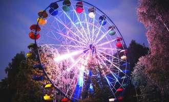 Малое колесо обозрения в Измайловском парке