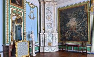 Прихожая гостиная дворца Кусково